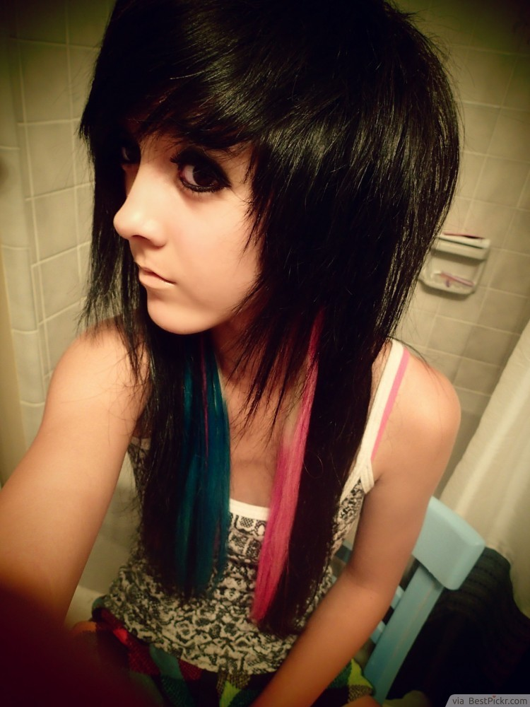 10 best medium emo hairstyles for cool girls in 2017 bestpickr shaggy black hair with colored peekaboos httpbestpickr urmus