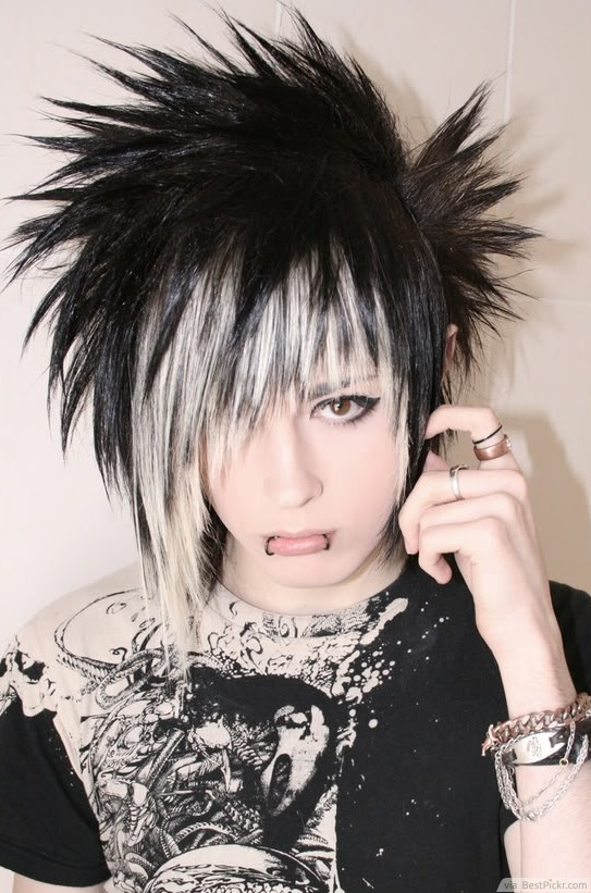 Excellent 10 Best Short Emo Hairstyles For Guys In 2017 Bestpickr Hairstyles For Women Draintrainus