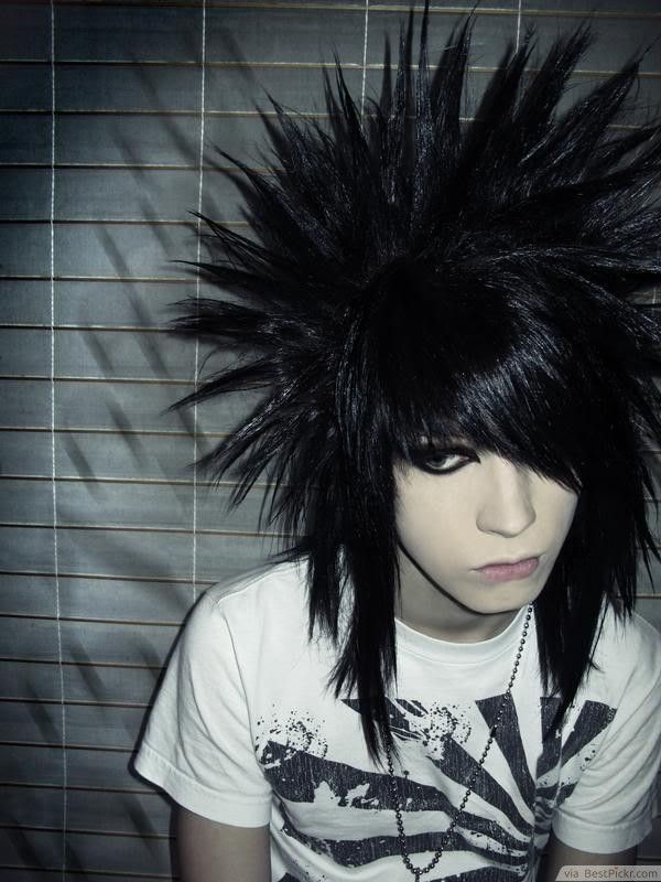 Awesome 10 Best Short Emo Hairstyles For Guys In 2017 Bestpickr Hairstyles For Women Draintrainus