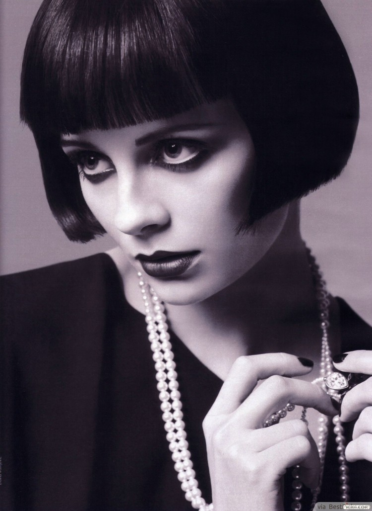 Sleek Bob 1920's Short Haircut ❥❥❥ http://bestpickr.com/1920s-hairstyles