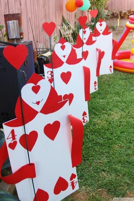 Easy Playing Card Solrs For Diy Mad Hatter Tea Party Decorations Http