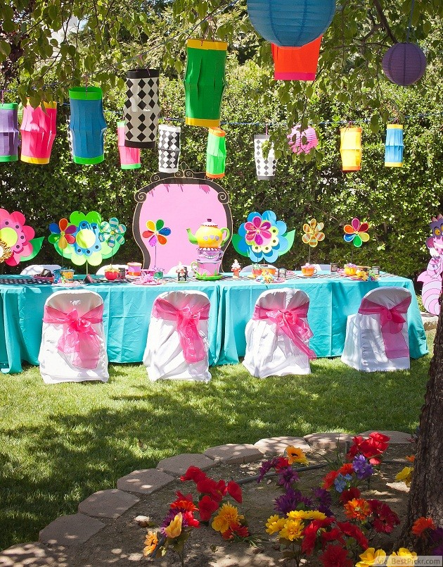 Color Is Queen At The Best Mad Hatters Tea Parties Http Bestpickr Party Ideas