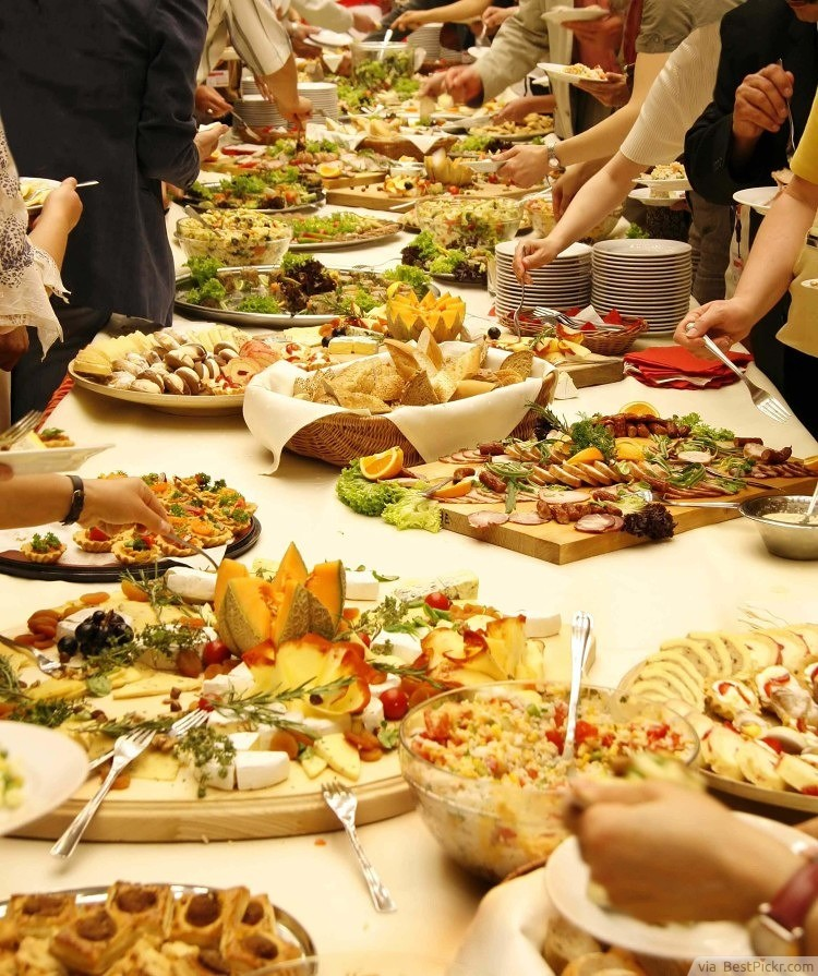 15 Great Wedding Reception Food Ideas Awesome Freaking